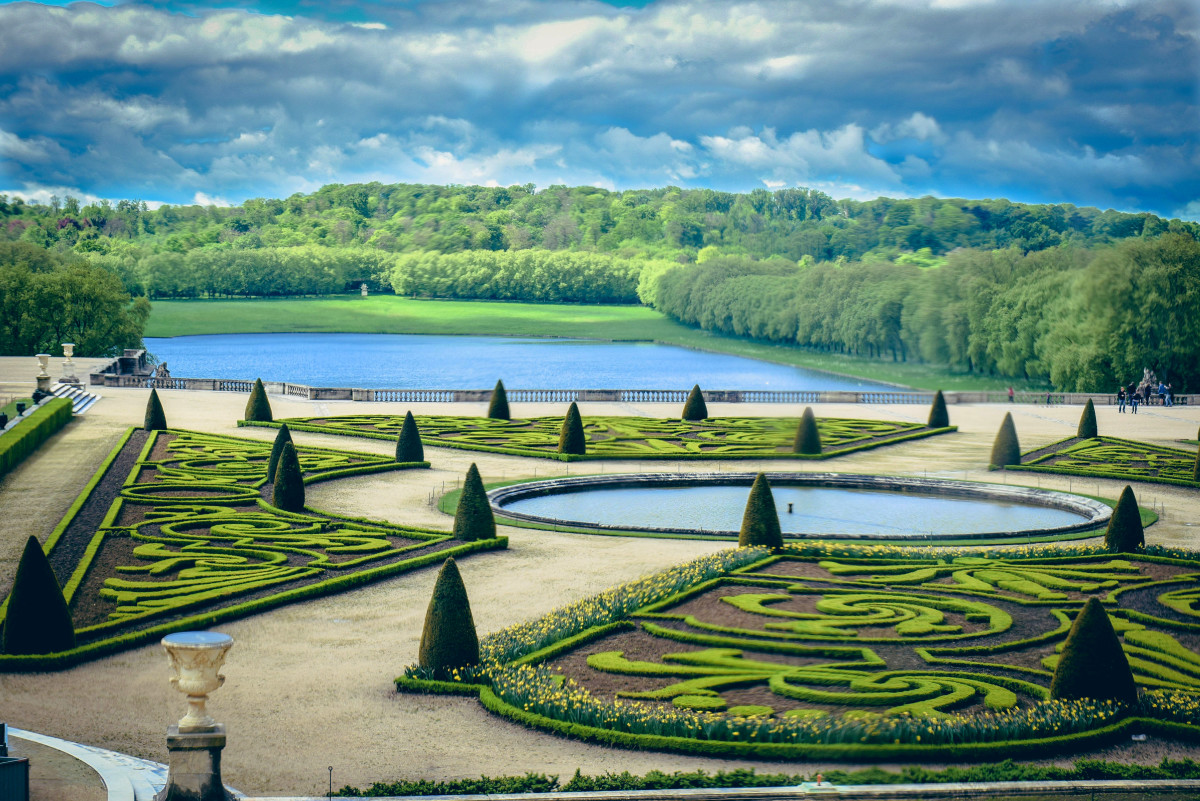 The Palace Of Versailles Shrads