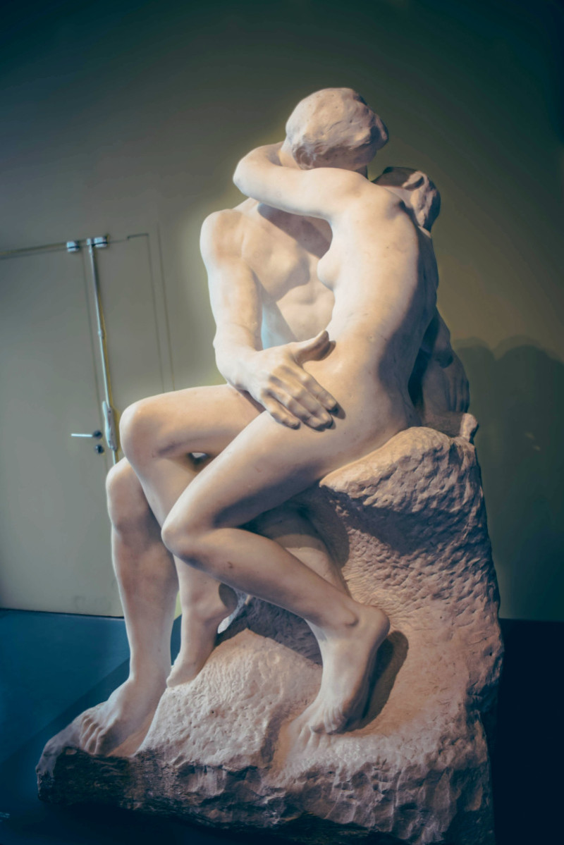 The Kiss (Rodin sculpture)