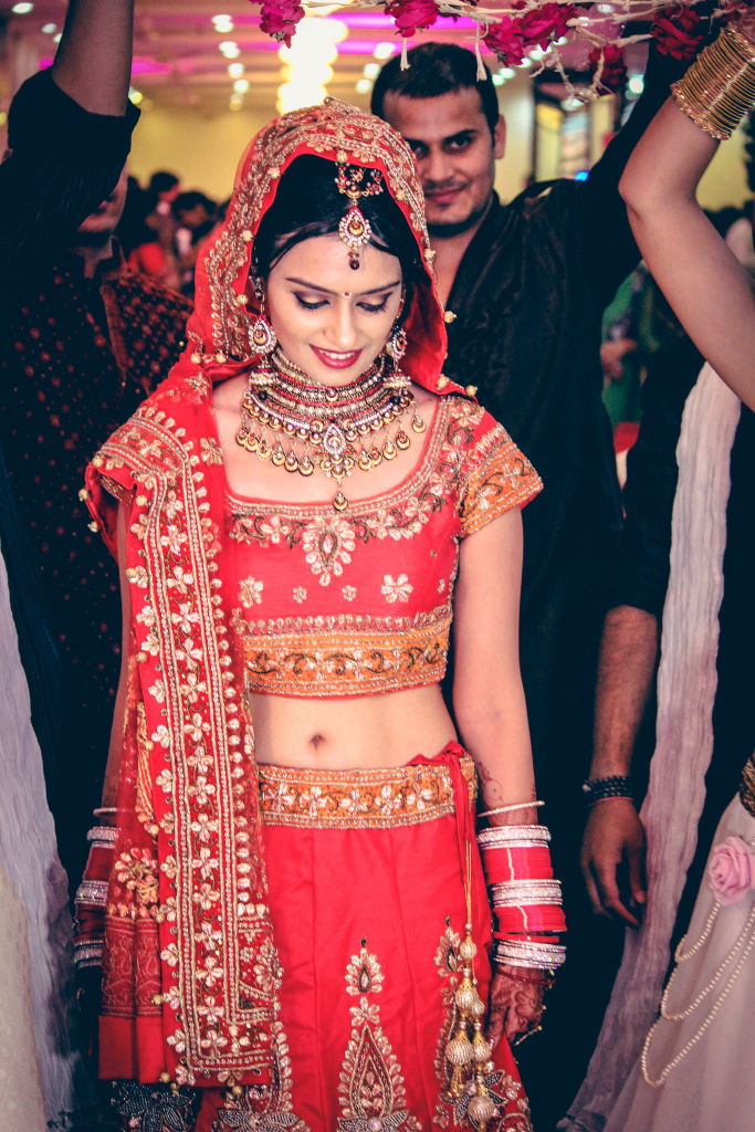 indian wedding bride phoolo ki chadar